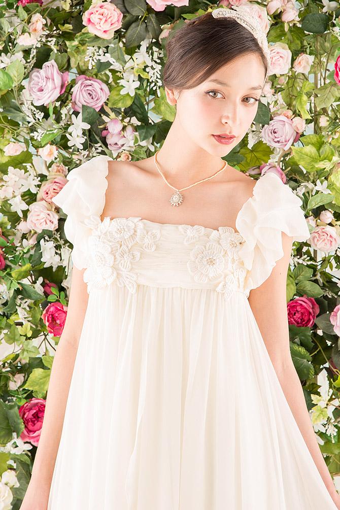 ウェディングドレス レンタル プレタ オーダー | ドレスマニア N0013 フラワーモチーフが愛らしいエンパイアドレス