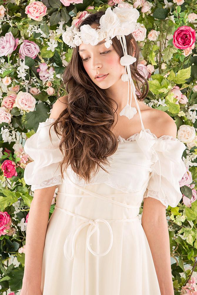 ウェディングドレス レンタル プレタ オーダー | ドレスマニア N0014 ロマンティックなテクスチャーとミューズのような2トーンカラーのウェディングドレス