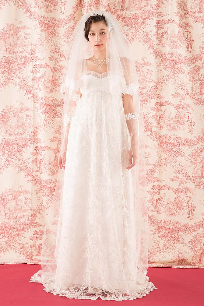 ウェディングドレス レンタル プレタ オーダー | ドレスマニア 全身を素材の美しさが包む、華麗なウェディングドレス