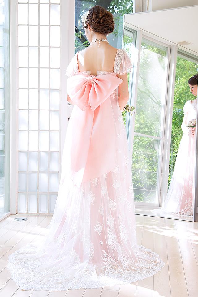 ウェディングドレス レンタル プレタ オーダー | ドレスマニア N0031Pi ピンクにきらめくビージングレースを重ねた大人可愛いスタイル