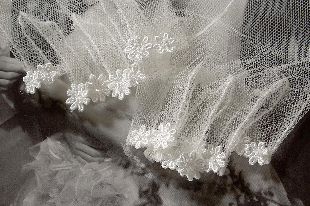 ウェディングドレス レンタル プレタ オーダー | ドレスマニア ドレスマニアで人気No.1のネイルアートを美しく魅せるグローブ