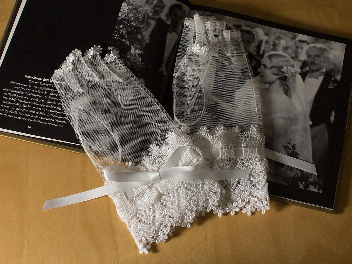ウェディングドレス レンタル プレタ オーダー | ドレスマニアで人気No.1のネイルアートを美しく魅せるグローブ!ブライダルネイルが映えるウェディンググローブ