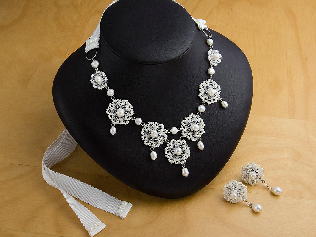 ウェディングドレス レンタル プレタ オーダー | ドレスマニア ビーズの透け感が美しいレースのようなイヤリングネックレスセット