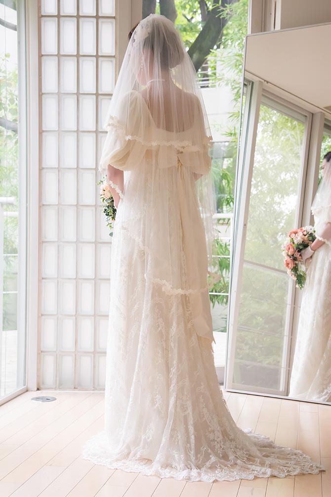 ウェディングドレス レンタル プレタ オーダー | ドレスマニア バラのケミカルレース、ミディアム丈ベール