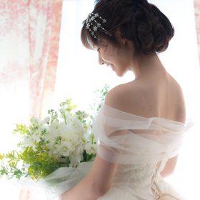ドレスマニア自由が丘アトリエ ウェディングドレスのレンタル、プレタポルテ、オーダー... お気に入りのドレスを見つけるウェディングドレス Etoile